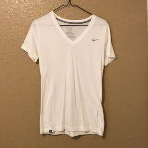 Nike T-Shirt - Slim Fit - Size L